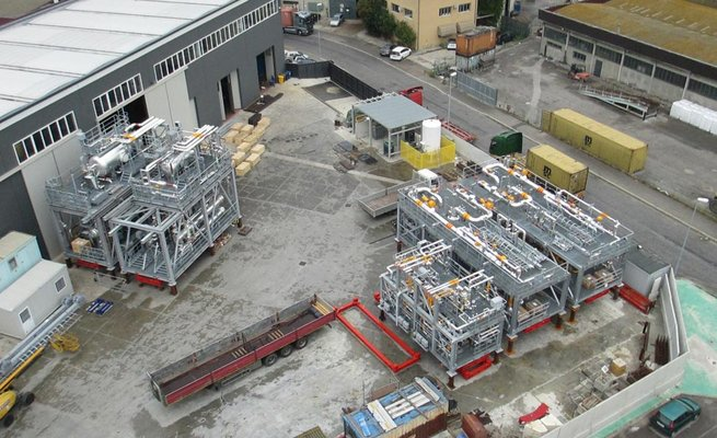 Skid pompe/ N°19 Gas treatment skid units